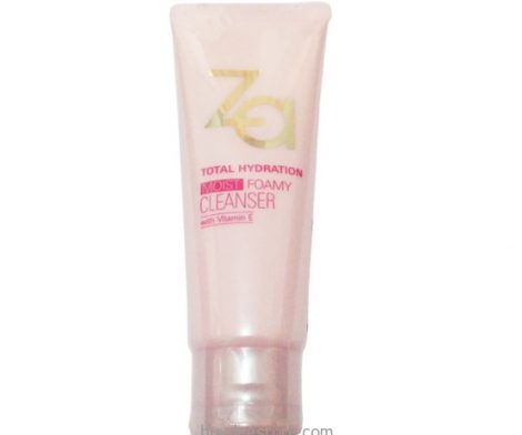 Za Total Hydration Moist Foamy Cleanser with Vitamin E 100g